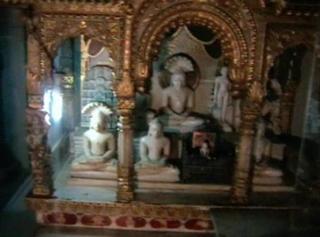 प्रचीन जैन मन्दिर से अष्टधातु की तीन मुर्तियां चोरी