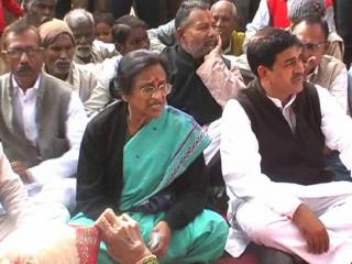 किसानों की तरफ ध्यान नहीं दे रही अखिलेश सरकार - रीता बहुगुण जोशी