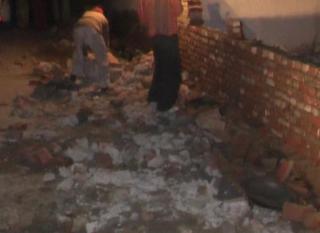सपा नेता के भतीजे ने 10 मकानो पर चलाया बुलडोज़र