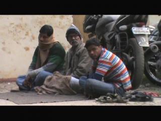 हत्यारों को पकड़ने में नाकाम पुलिस कर रही आम लोगों को परेशान