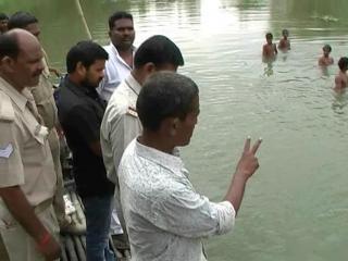नदी में नहाने गए तीन छात्र डूबे, 2 को बचाया 1 लापता