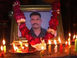 शहीद लांस नायक हनुमनथप्पा को श्रद्धांजलि
