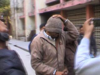निर्मल बाबा पर केस दर्ज कराने वाले को पुलिस ने किया गिरफ्तार
