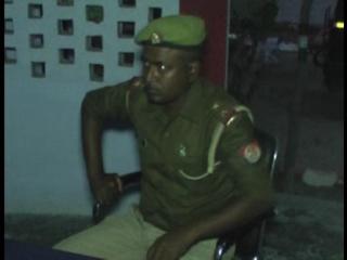 सिपाही ने चोरी कर ली दारोगा की रिवॉल्वर, जांच में पता चला चुराई हैं थाने से 6 और बंदूकें