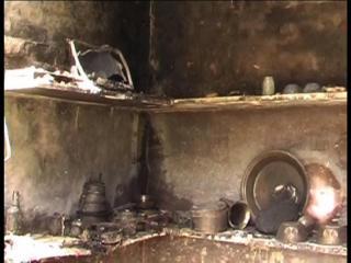 आग ने मचाया तांडव, एक मकान सहित 250 झुग्गियां राख