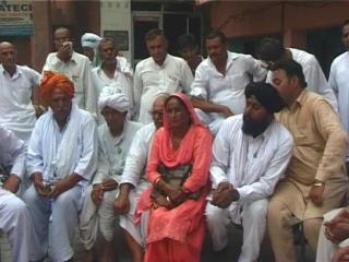 'भाजपा सरकार द्वारा उत्सव मनाना किसानों के साथ बेमानी'