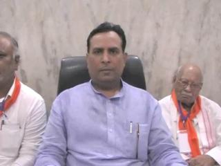 बिक्रम ठेकेदार को मंत्रिमंडल से बाहर निकालने से अभिमन्यु नाखुश