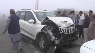 Ghna Kohra Bna Aafat Ka Kehar, Aaps Mein Takrayi 5 Car