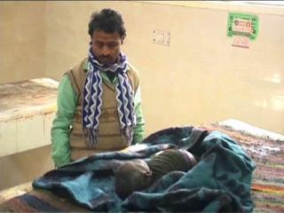 गटर में गिरने से डेढ़ वर्षीय बच्ची की मौत, दूसरे दिन मिला शव