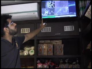 बेकरी की दुकान में चोरों ने लगाई सेंध, CCTV में कैद हुई वारदात