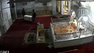 गुरुद्वारे पर चोरों की बुरी नजर, सीसीटीवी में कैद