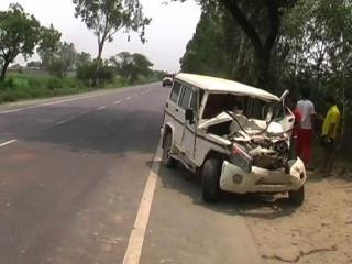 शराब के नशे में गाड़ी चला रहे थे 3 दोस्त, सड़क हादसे में 1 की मौत