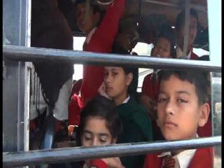 Jaan Jokhim Me Dal Kar School Pahuchte hain Chatr