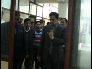 सरकारी कार्यालयों में डीसी का छापा, कामकाज पर जताई नाराजगी