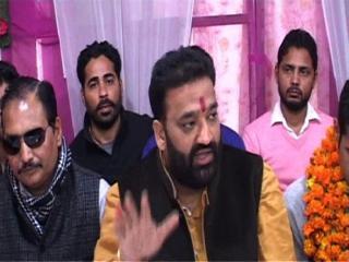 'रॉकी के परिवार को चपरासी की नौकरी देना प्रदेश सरकार का भद्दा मजाक'