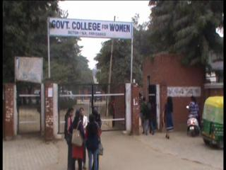 कॉलेज छात्राओं का Whatsapp ग्रुप हैक, भेजे अश्लील मैसेज