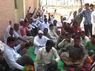 बिजली कर्मचारियों पर गुंडागर्दी के संगीन आरोप