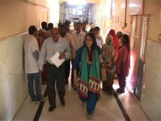स्वास्थ्य निदेशक ने किया कई सामान्य अस्पतालों का औचक निरीक्षण