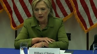 Clinton Meets With Top Cops For Advice