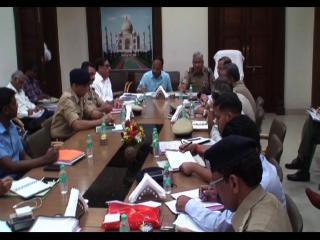 मुख्य सचिव, डीजीपी और प्रमुख सचिव गृह ने की समीक्षा बैठक, कानून व्यवस्था पर दिया ज़ोर