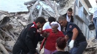 Death toll rises in Italy after powerful quake