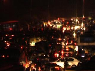 दिल्ली में जमकर हुई बारिश, थमी वाहनों की रफ़्तार