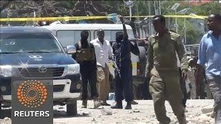 At least 10 dead in Somali car bomb blast