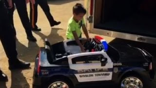Police Give Kid Who Bought Them Lunch a Toy Car