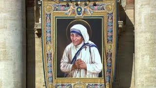 Pilgrims Praise Mother Teresa's Sainthood