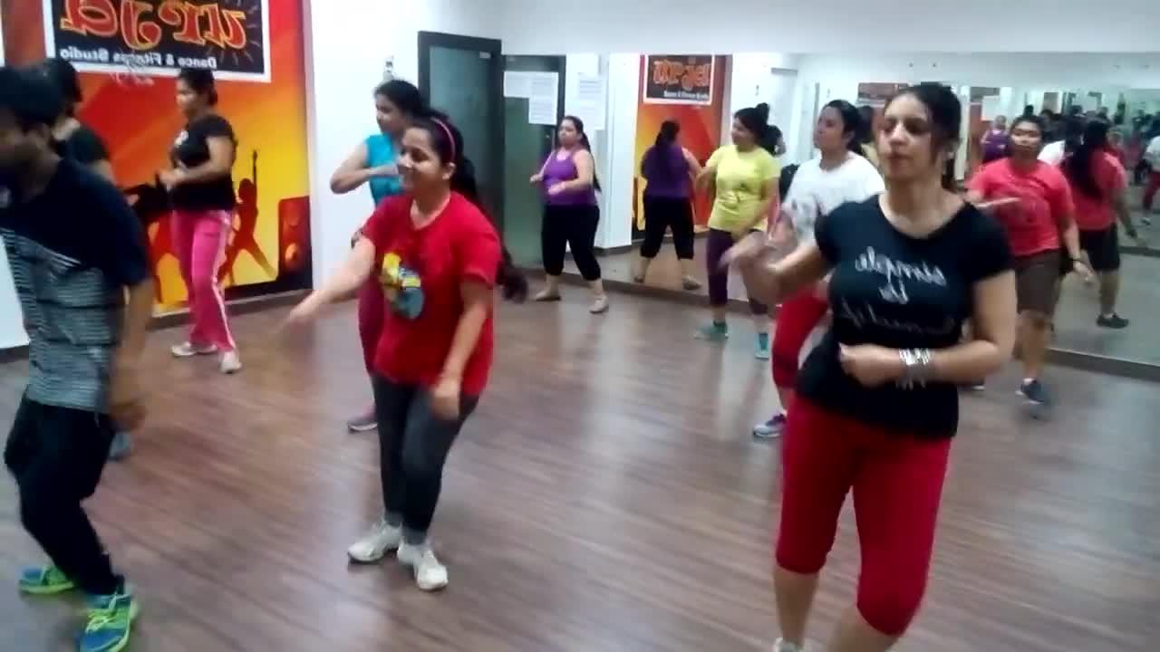 Yo Yo Rajat Zumba classes with students
