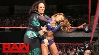 Alicia Fox vs. Nia Jax: Raw, Sept. 12, 2016