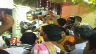 Jagan Special Prayers at Vasavi Kanyaka Parameswari Temple | Kadapa | iNews