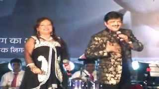 Live performance - Udit Narayan with Wife - Udit Narayan Songs -Tez News