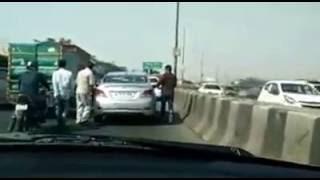 thak thak gang active delhi highway   saream karne lage hai hamla   delhi aane jaane waale saavdhaan