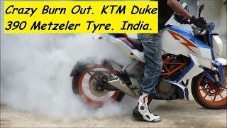 CRAZY BURN OUT. KTM Duke 390 Metzeler Tyre. India.