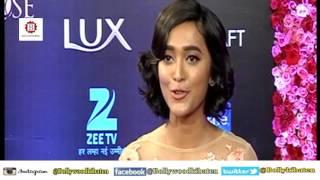 Bollywood Actress Reaction Note Ban 500, 1000 Lux Golden Rose Awards 2016