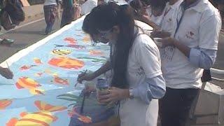 1400 मीटर लंबी पेंटिंग बनाकर स्कूली बच्चों ने बनाया विश्व रिकॉर्ड