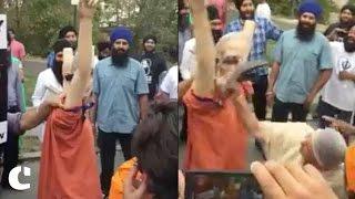 People Slap Modi's Effigy as Demonetisation Problems Grow