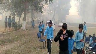भरी दोपहर अचानक धुएं से घिर गया फतेहाबाद का सरकारी स्कूल