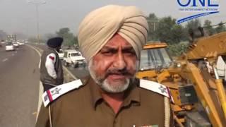 pyaaz hi pyaaz bhikre jalandhar dakoha faatak ke paas truck ka hua accident crane help