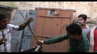 Lovers locked in room, beaten by the unidentified locals in Bulandshahr!