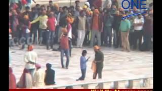saif ali khan in amritsar chef bollywood movie shooting harmandar sahib pahuche saif ali khan