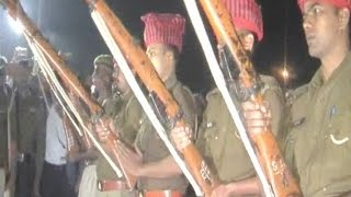 Martyr Manoj Kushwaha receives Guard of Honor, cremated in Ghazipur cremation ground!