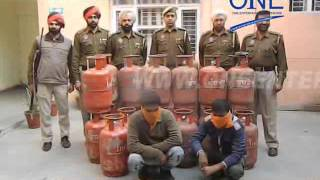 gas agency ke worker hi karte the cylender se gas chori bhargo camp police ne kiya giraftaar
