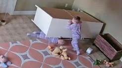 తమ్ముడ్ని కాపాడిన బుడ్డోడు Incredible : 2 Year Old Twin Saves Stuck Brother Crushed By a Table