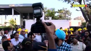 Deepika Padukone Welcomes Vin Diesel In Bollywood Style!