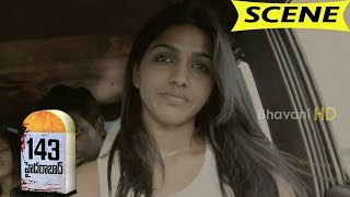 Girl Suicides In Car Jagan Argues with Friends - Scary Scene - 143 Hyderabad Movie Scenes