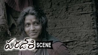 Villagers Make Fun With Vedhika and Atharva Letter - Paradesi Movie Scenes