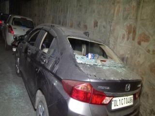 रोडरेज : घर में घुसकर 15 हमलावरों ने की तोड़फोड़, जान से मारने की धमकी देकर हुए फरार