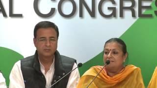 AICC Press Briefing By Randeep Surjewala and Capt. Amarinder Singh at Congress HQ. November 28, 2016